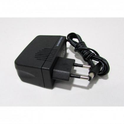 12-volt-1-amper-adaptor-bodyguard-bad1